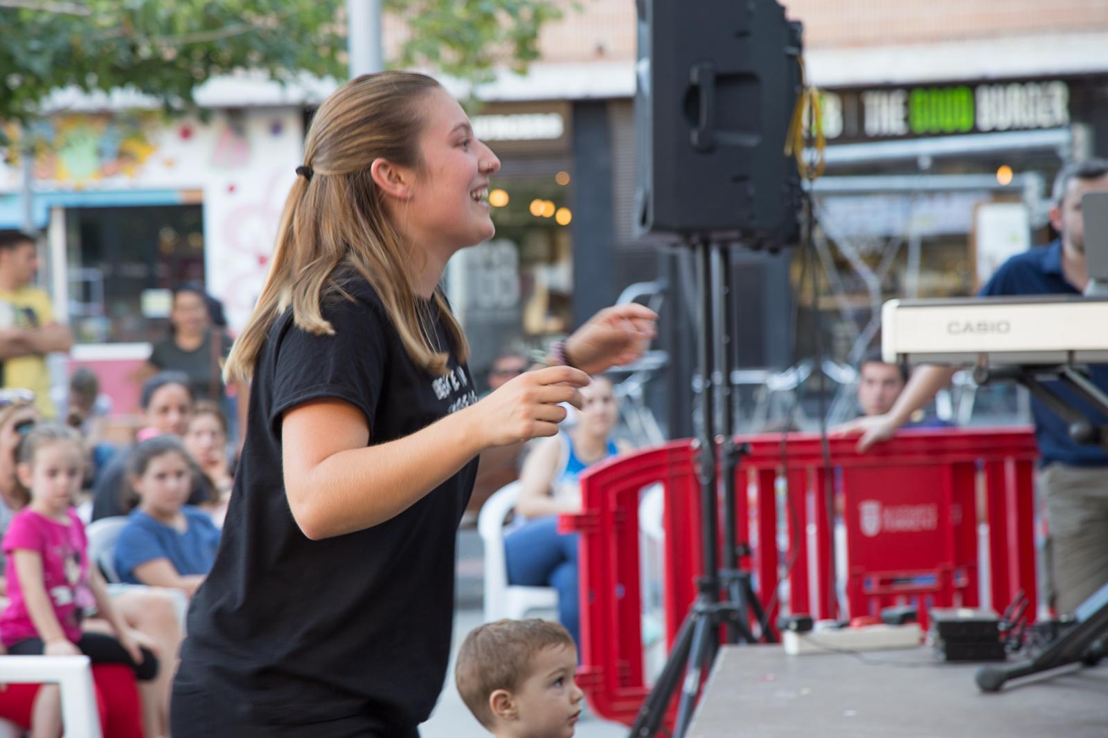 Paz Muñoz dirigint